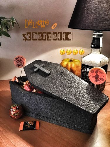 DARK POLYSTYRENE COFFIN WITH LID